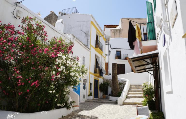 Casas ibicencas: descubre cómo son y enamórate de ellas